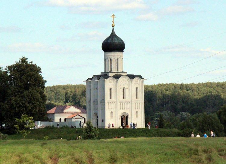 Картинки по запросу фото церковь покрова на нерли